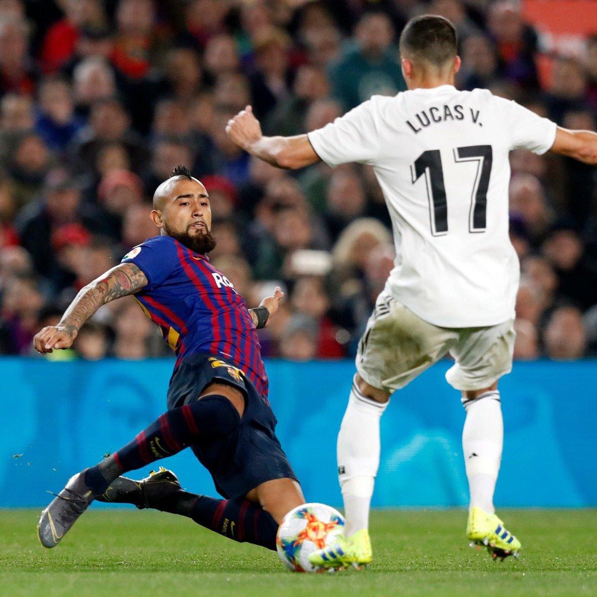 FC Barcelona Con Arturo Vidal En El Tramo Final Empató
